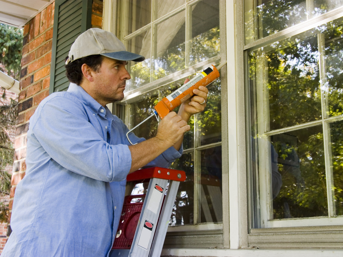 Arrange for window installation service in Leominster & Hudson, MA
